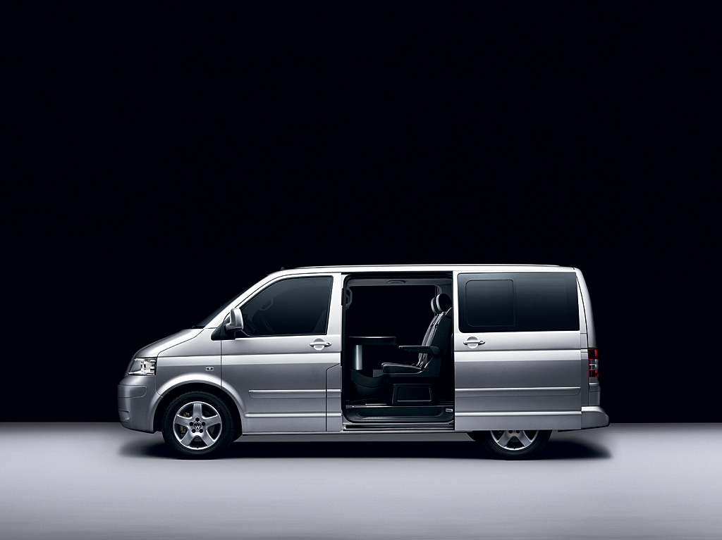 LondonAirConnectons.com - New VW Executive Caravelle